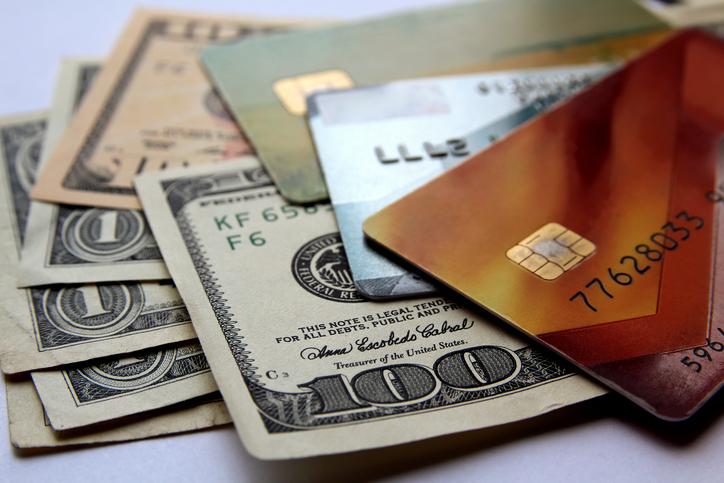 海外旅行前に知るべき知識 通貨と両替-現金・トラベラーチェック・クレジットカードどう選ぶ?